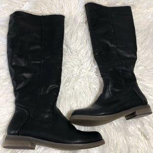 Shoes - BOOTS DE BLOSSOM COLLECTION SIZE 7